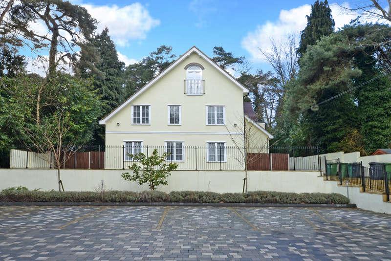 2 Bedrooms Flat for rent in Castle Road, Surrey