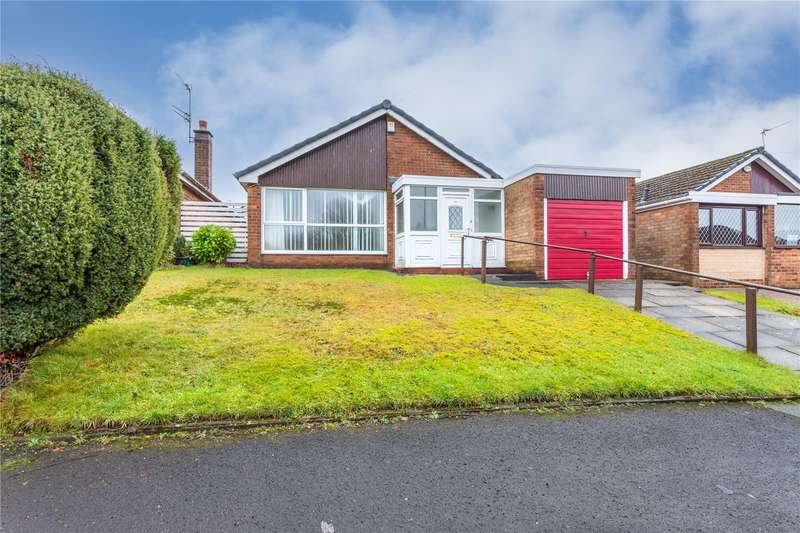 2 Bedrooms Detached Bungalow for sale in Winchester Avenue, Ashton-under-Lyne, Greater Manchester, OL6