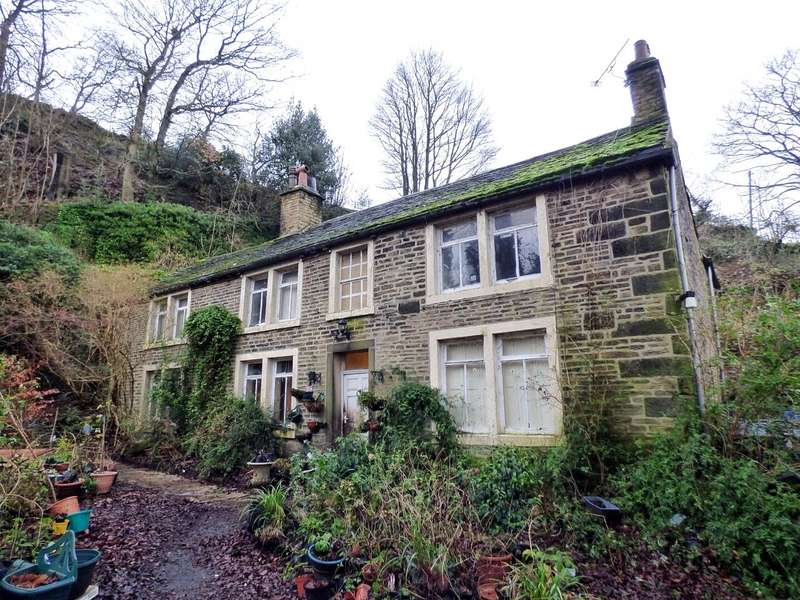 5 Bedrooms Detached House for sale in Pickwood Scarr, Norland, Sowerby Bridge, West Yorkshire, HX6