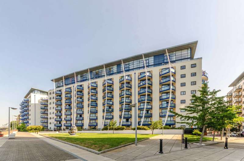 2 Bedrooms Flat for sale in Nova Building, Isle Of Dogs, E14