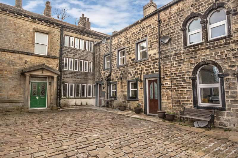 4 Bedrooms Cottage House for sale in Hollins, Triangle, Sowerby Bridge