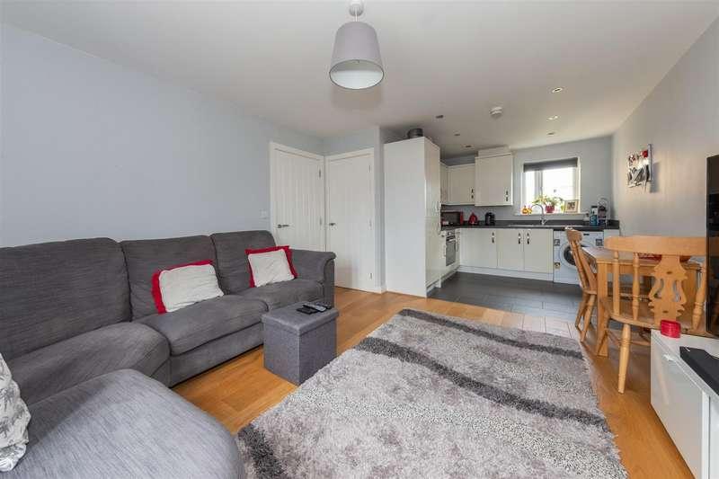 2 Bedrooms Flat for sale in Healey Road, Dunstable