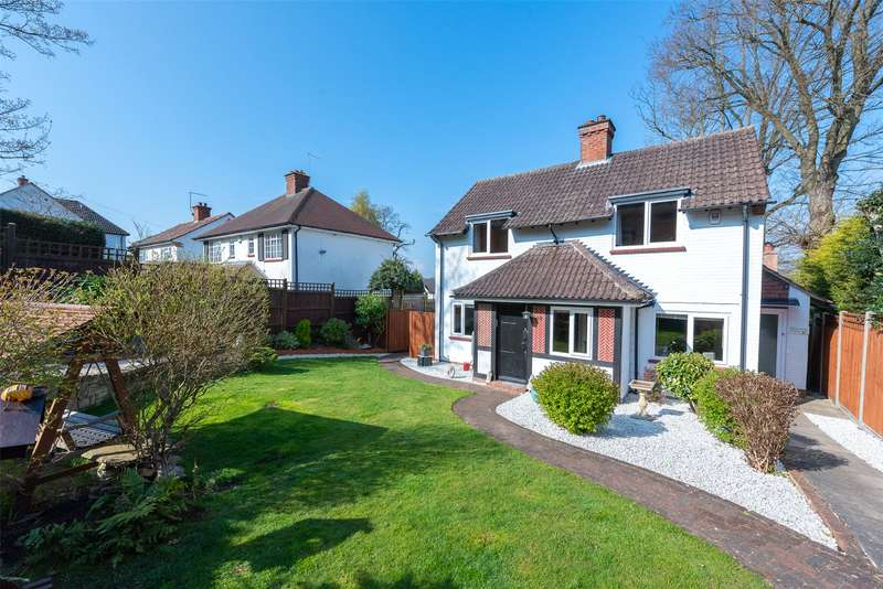 3 Bedrooms Detached House for sale in The Avenue, Camberley, GU15