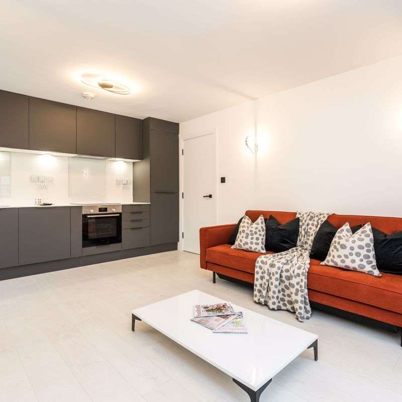 2 Bedrooms Property for sale in Slagrove Place, London