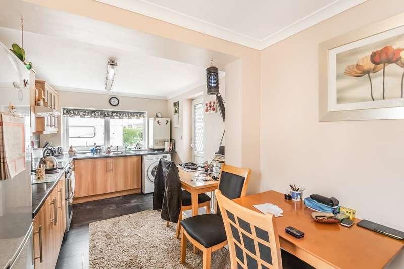 2 Bedrooms Detached Bungalow for sale in Thatcham, West Berkshire, RG18