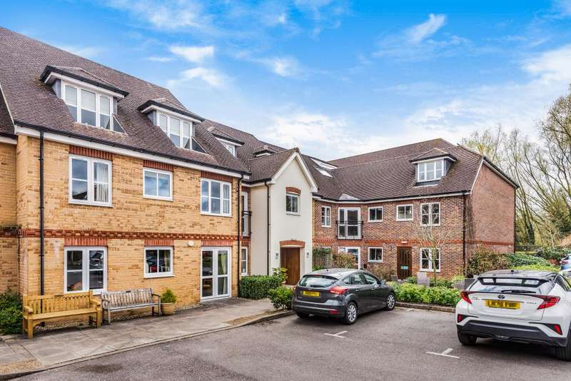 2 Bedrooms Flat for sale in Brackley, Northamptonshire, NN13