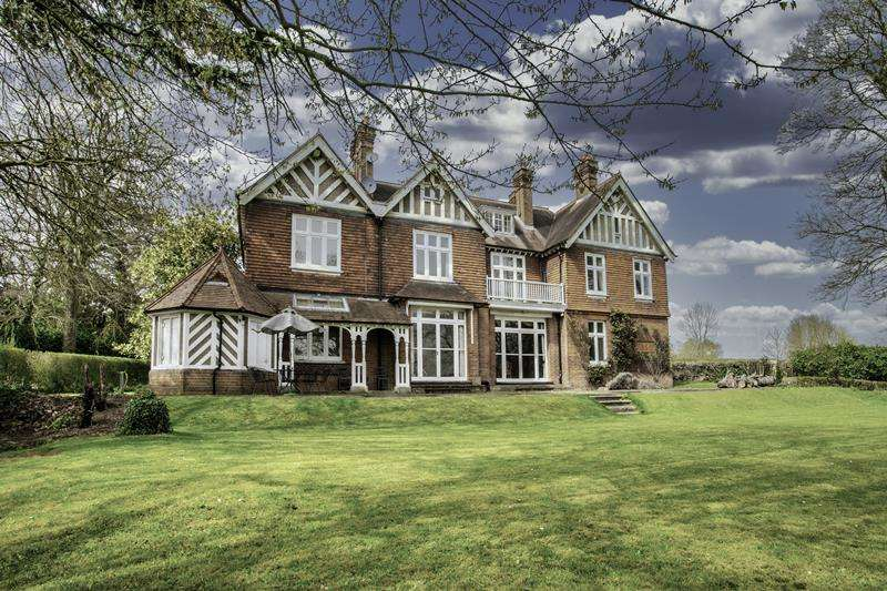 9 Bedrooms Detached House for sale in Terrys Lane, COOKHAM, SL6