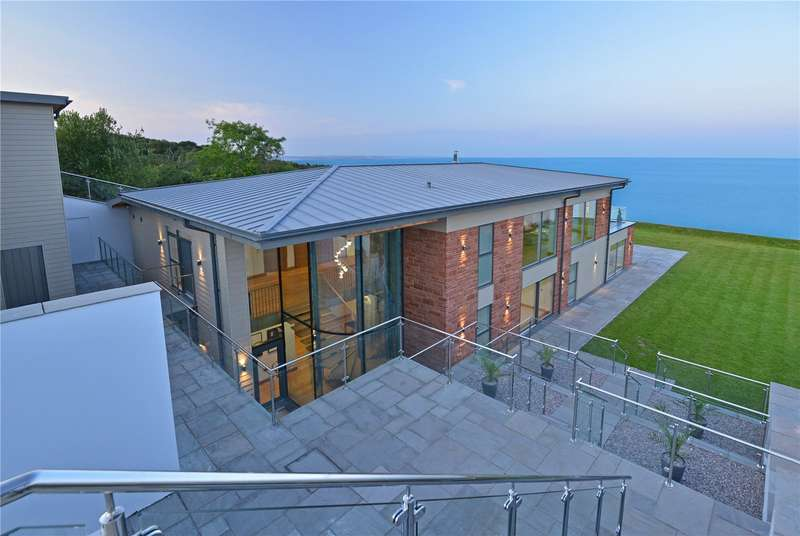 5 Bedrooms Detached House for sale in Teignmouth Road, Devon