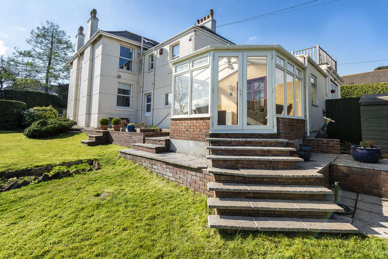 4 Bedrooms Semi Detached House for sale in Yarrowmead, Elburton
