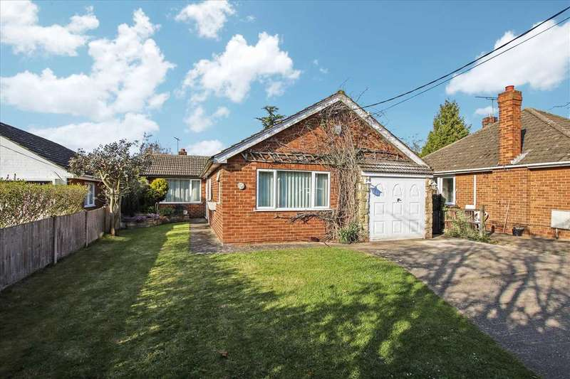 3 Bedrooms Bungalow for sale in Station Road, Waddington, Waddington