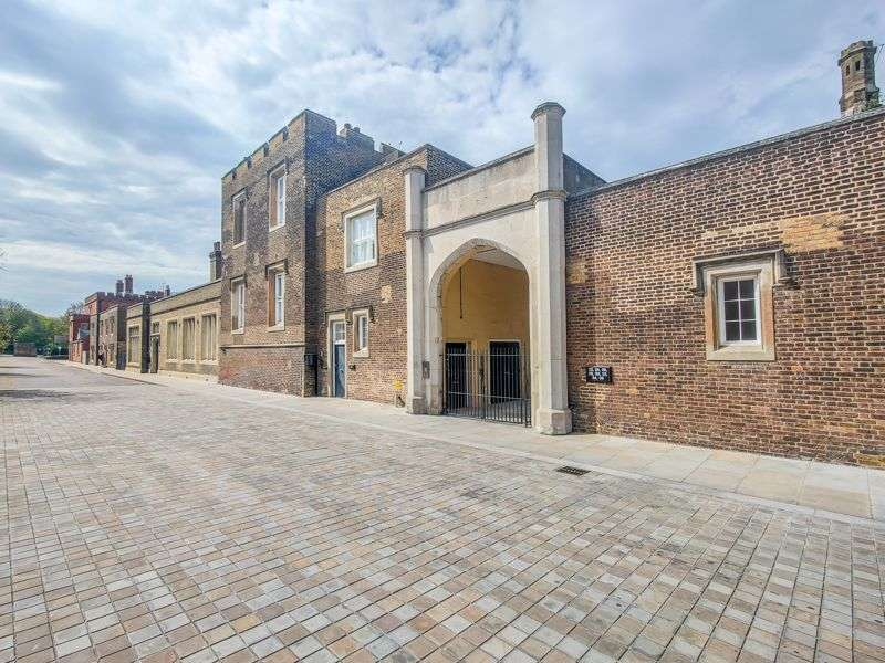 2 Bedrooms Property for sale in Ashmore Road, Woolwich Academy