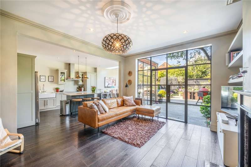 5 Bedrooms Terraced House for sale in Amherst Avenue, London, W13