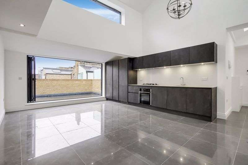 2 Bedrooms Property for sale in Roman Road, Bow, E3