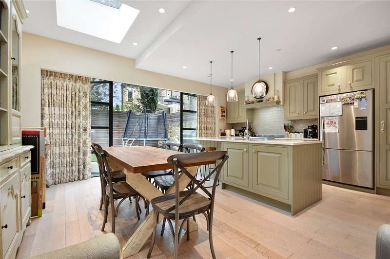 5 Bedrooms House for sale in Godolphin Road, London, W12