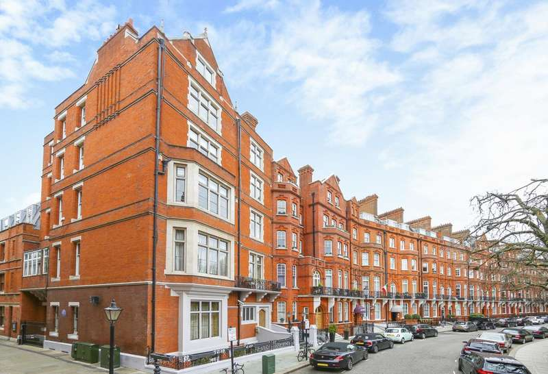 4 Bedrooms House for sale in Kensington Court, London
