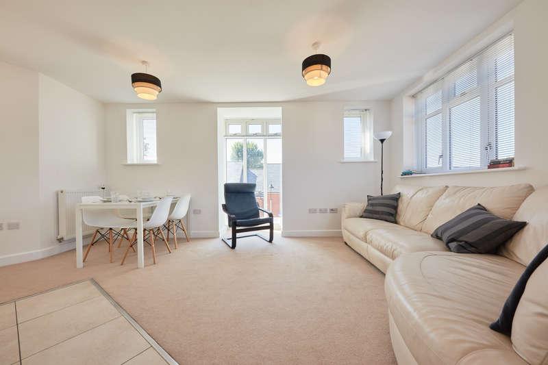 2 Bedrooms Flat for sale in Grace Bartlett Gardens, St John's Apartments, Chelmsford CM2