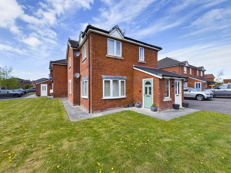 2 Bedrooms Ground Flat for sale in Marshdale Road, Marton FY4