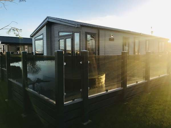 3 Bedrooms Lodge Character Property for sale in Tattershall Lakes Country Park, Lincolnshire