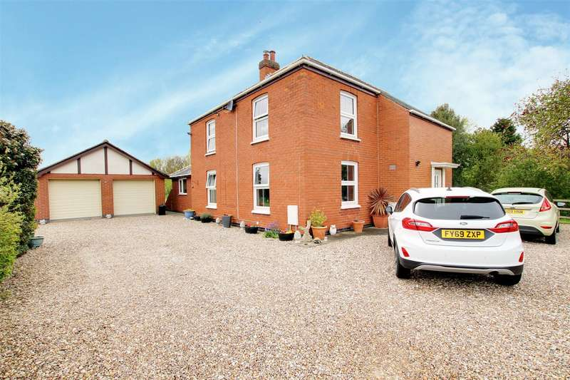 3 Bedrooms Detached House for sale in Theddlethorpe Road., Mablethorpe