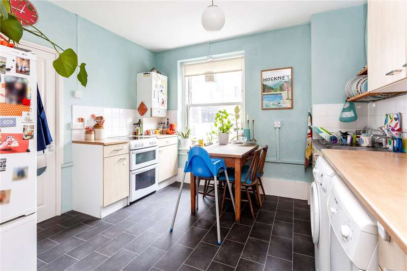 2 Bedrooms House for sale in Stamford Hill, London, N16