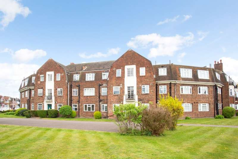 2 Bedrooms Flat for sale in Breamore Road, Goodmayes, Ilford, IG3