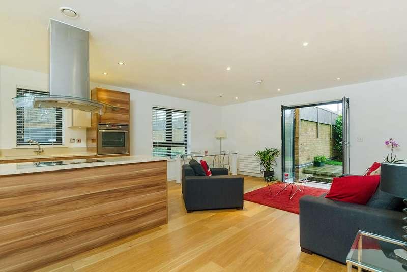 2 Bedrooms Flat for rent in Stratheden Road, Blackheath, SE3