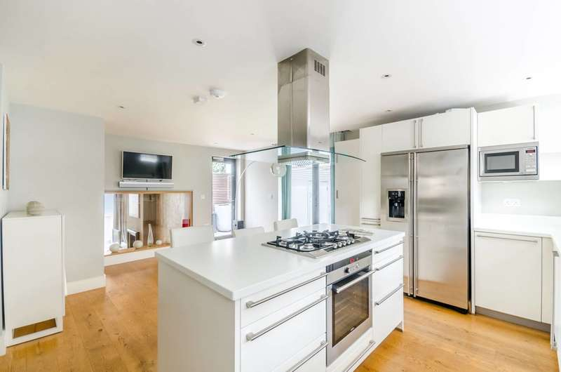 3 Bedrooms Semi Detached House for sale in Shelgate Road, Between the Commons, SW11