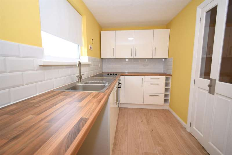 2 Bedrooms Apartment Flat for sale in Grundy Street, Westhoughton, Bolton