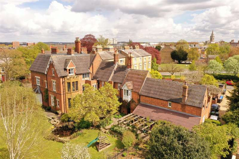 9 Bedrooms House for sale in Bilton Road, Rugby, Warwickshire