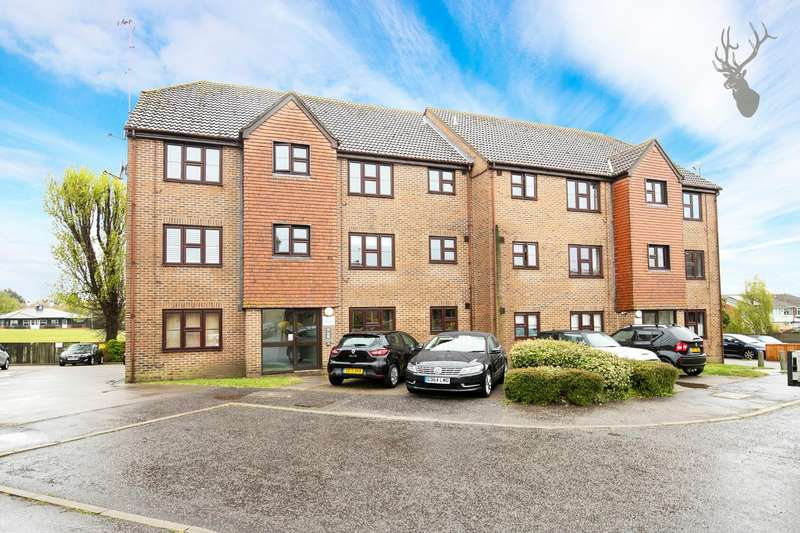 2 Bedrooms Flat for sale in Orchid Close, Abridge, Romford