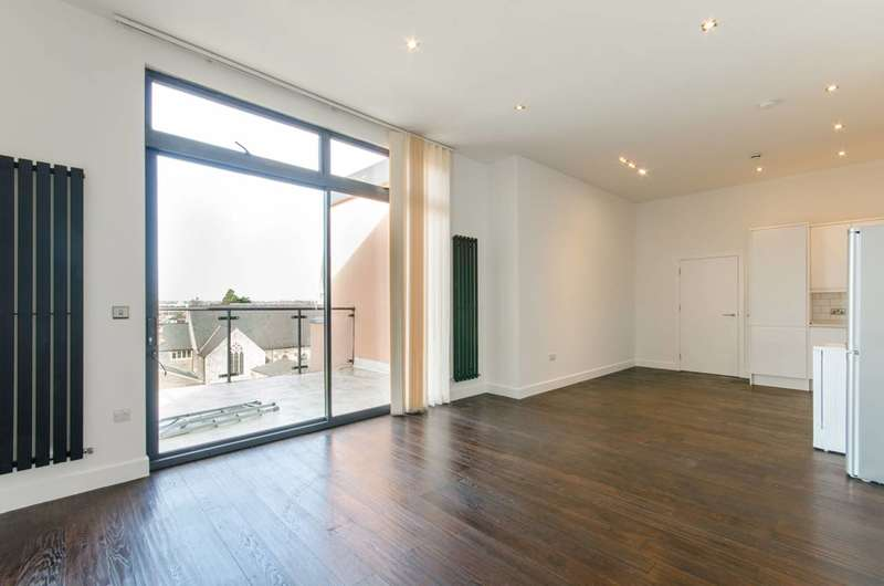 4 Bedrooms Flat for rent in Ballards Lane N12, North Finchley, N12