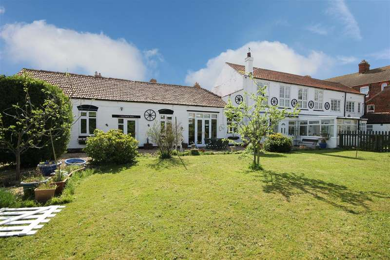 4 Bedrooms Detached House for sale in Alford Road, Sutton-On-Sea