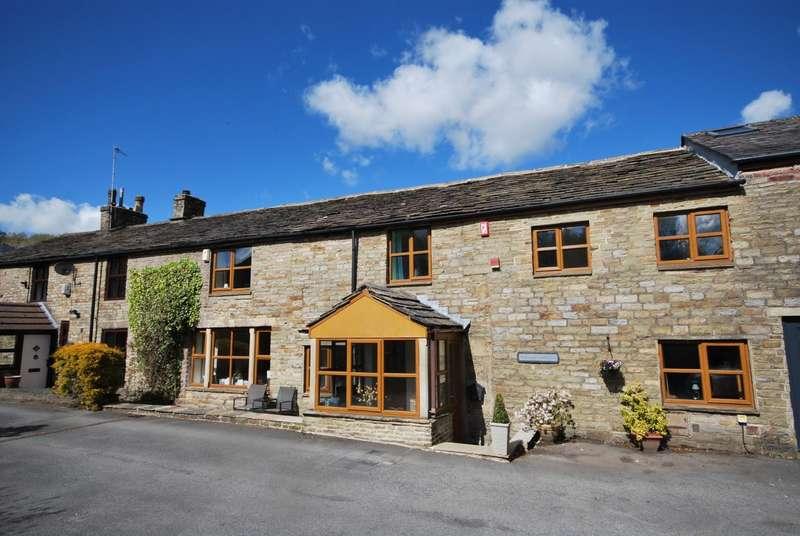 4 Bedrooms Cottage House for sale in Parkinson Fold, Haslingden, Rossendale