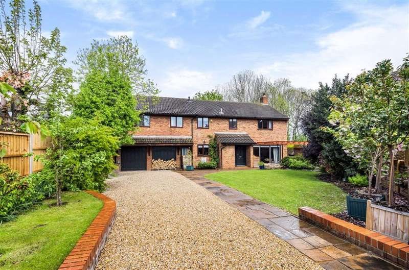 5 Bedrooms Detached House for sale in Kimbolton Avenue, Bedford