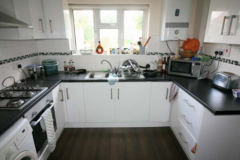 4 Bedrooms Property for rent in Palmer Road, Headington OX3