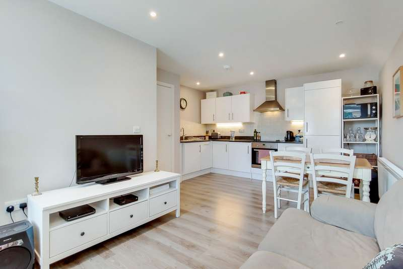 2 Bedrooms Property for sale in Westow Street, Crystal Palace SE19
