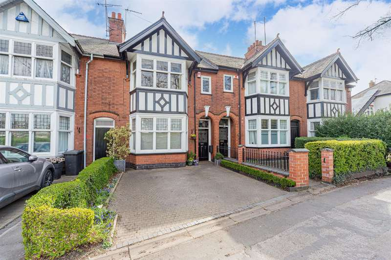 3 Bedrooms Terraced House for sale in Victoria Park Road, Clarendon Park, Leicester
