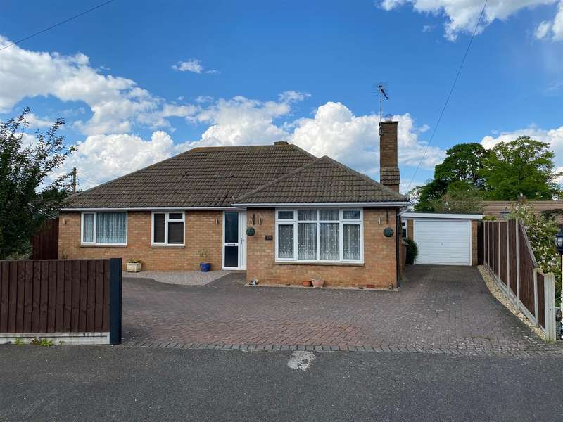 3 Bedrooms Detached Bungalow for sale in St. Clements Road, Ruskington