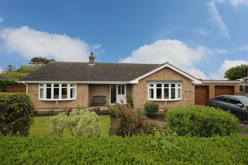 3 Bedrooms Detached Bungalow for sale in Grove Road, Sutton-On-Sea