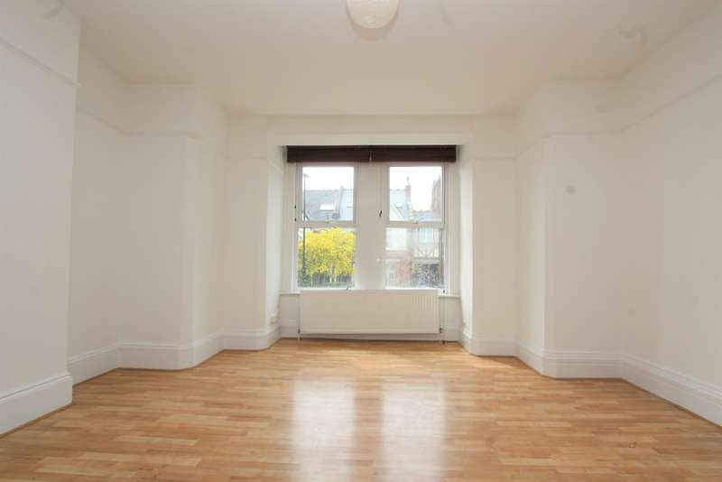 2 Bedrooms Ground Flat for rent in Onslow Gardens, Muswell Hill