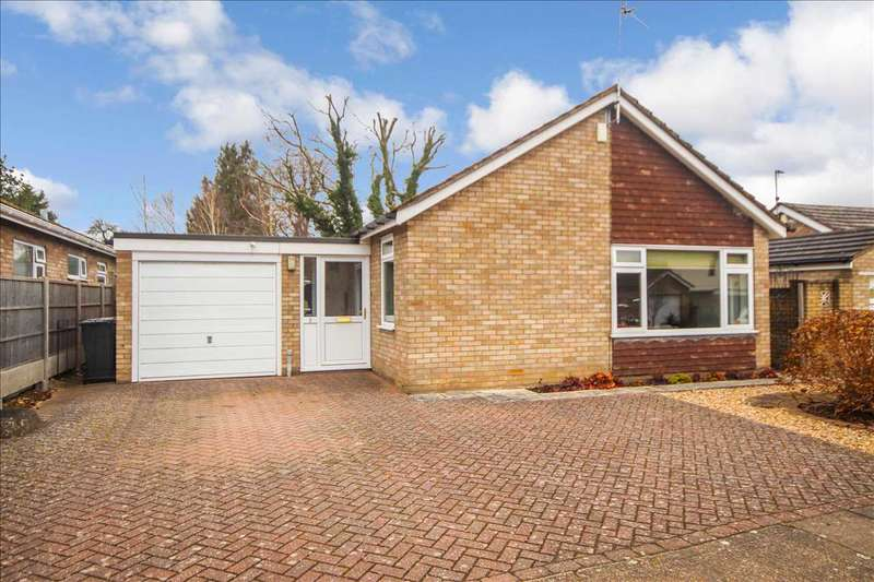 3 Bedrooms Bungalow for sale in Thonock Close, Lincoln