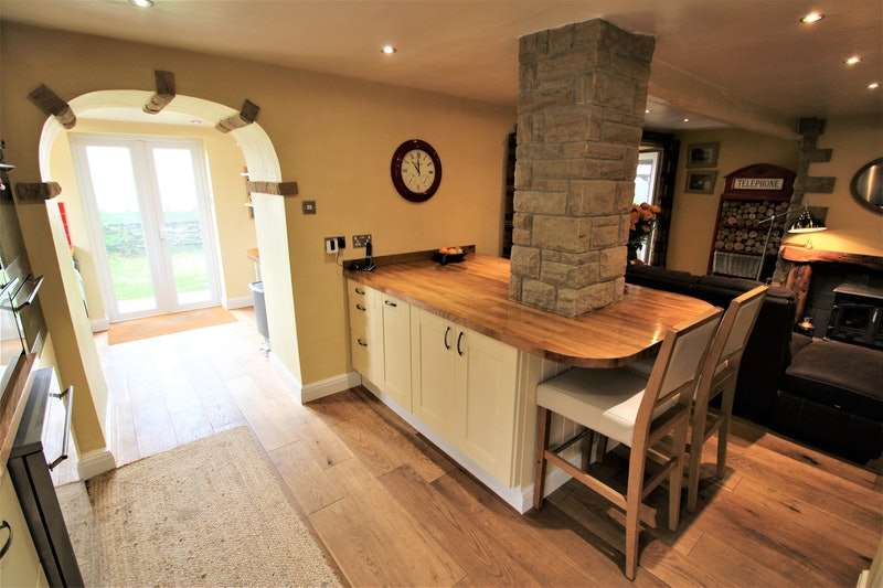 4 Bedrooms Detached House for sale in Goodshaw Lane, Rossendale, Lancashire, BB4
