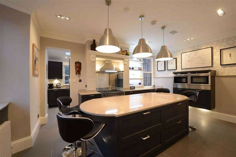 5 Bedrooms End Of Terrace House for sale in Yarburgh Street, Whalley Range