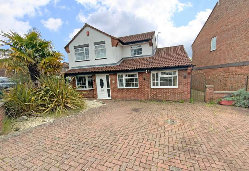 4 Bedrooms Semi Detached House for sale in Bluebell Drive, Leicester
