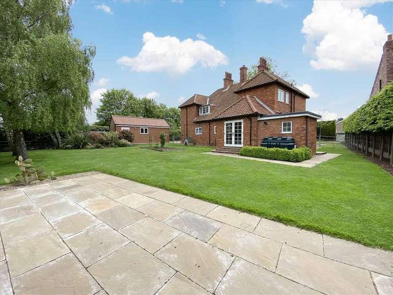 4 Bedrooms Detached House for sale in Vicarage Lane, Helpringham