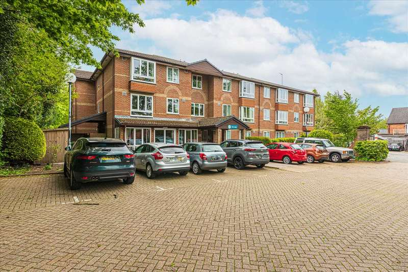 1 Bedroom Retirement Property for sale in Oak Lodge, New Road, Crowthorne