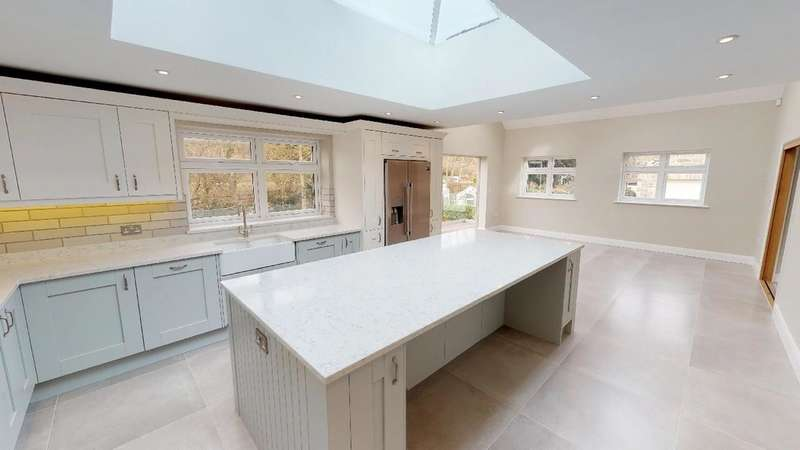 3 Bedrooms Detached House for sale in Southwell Road, Thurgarton