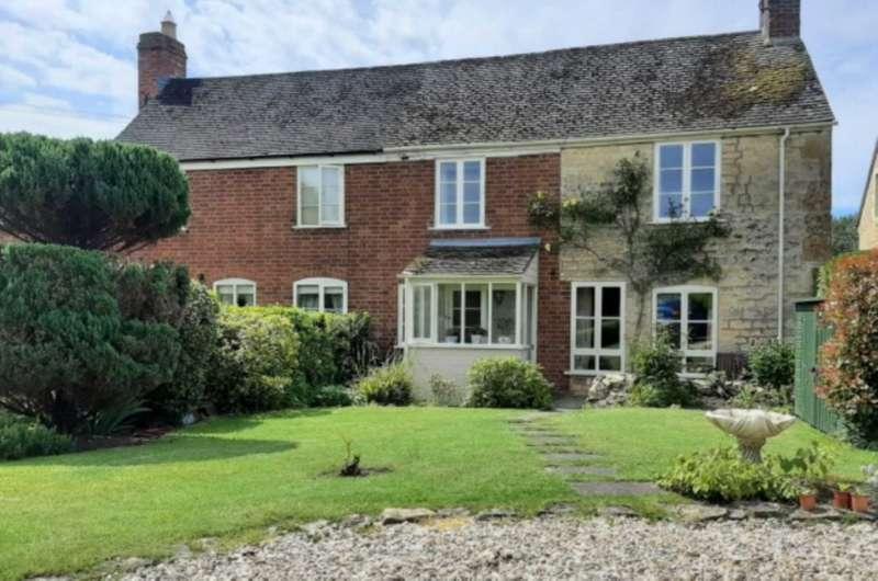 3 Bedrooms Semi Detached House for sale in Kinsham, Tewkesbury, Gloucestershire