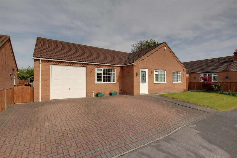 3 Bedrooms Detached Bungalow for sale in John Smith Close, Willoughby, Alford
