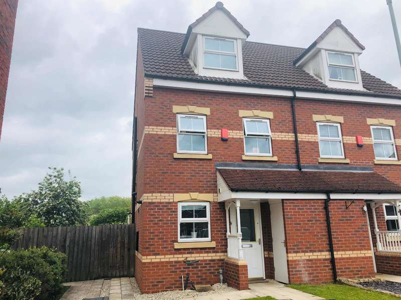 3 Bedrooms Town House for sale in Heron Drive, Gainsborough, DN21 1GJ